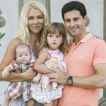 Юная дочь Антона и Виктории Макарских дебютировала с песней