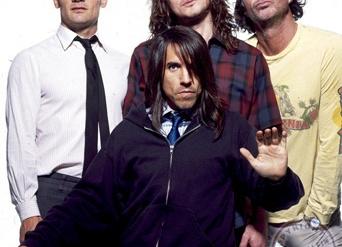 Red Hot Chili Peppers издают «супертанцевальную» пластинку