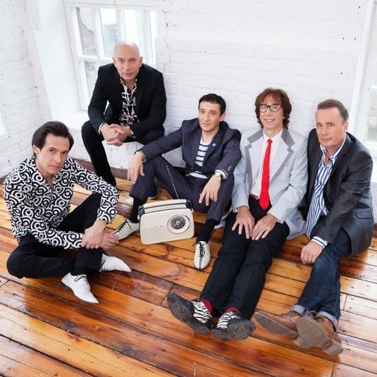 16 сентября в 20:00 клуб «16 Тонн» приглашает на концерт группа «Браво»