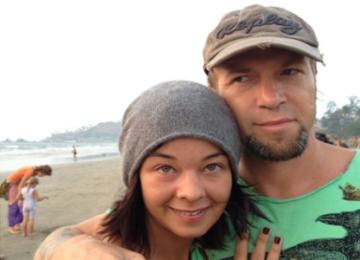 Звезда сериала «Счастливы вместе» ушла от мужа