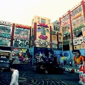 Уличные художники получили миллионы за свои граффити