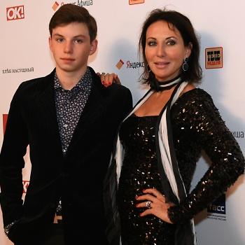 Сын Алики Смеховой покоряет русскую рэп-сцену