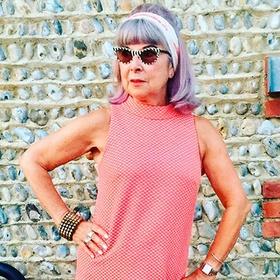 Бабушка-блогер набирает подписчиков в Instagram