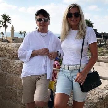 Валентин Юдашкин отдыхает в Израиле после борьбы с раком